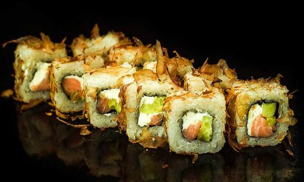 Ролл холодный Фудзи с копченым лососем