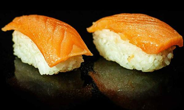Суши Сяке с лососем